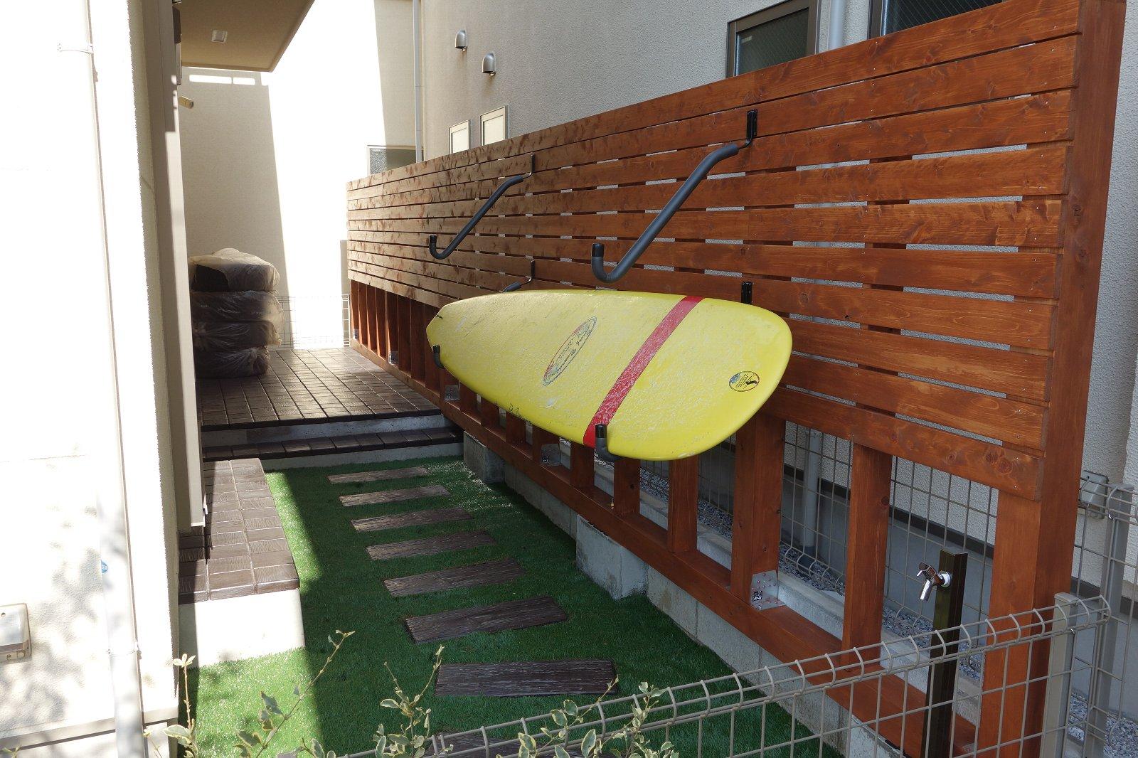ウッドフェンス外構&サーフボード