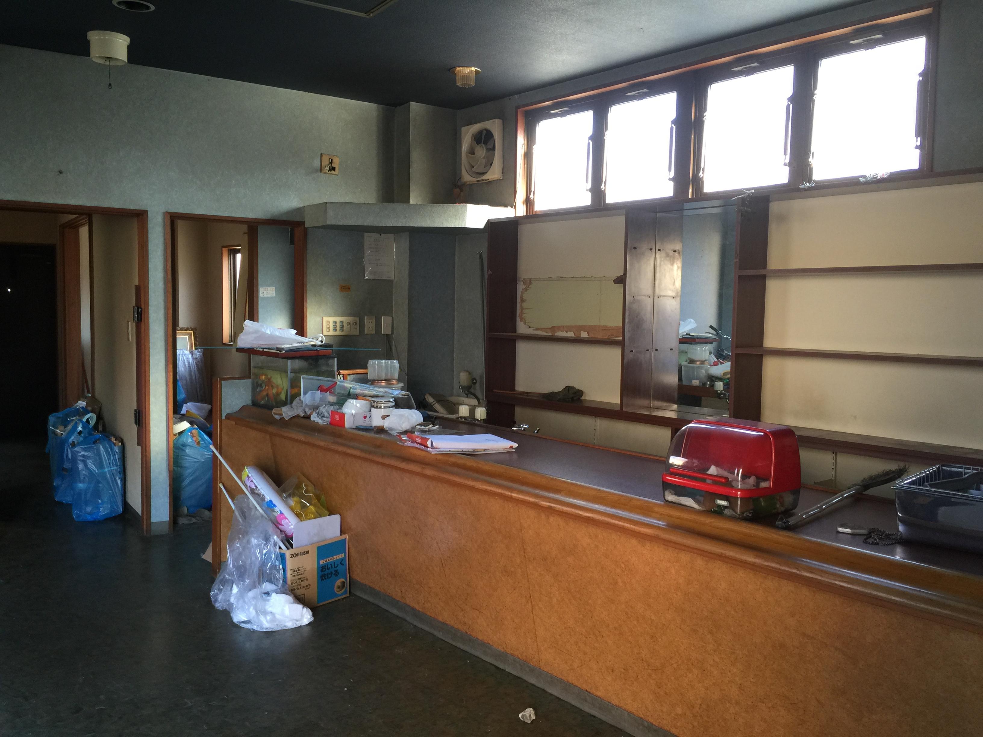 店舗から住まいへ、憧れのカフェ風ダイニングキッチンを実現!