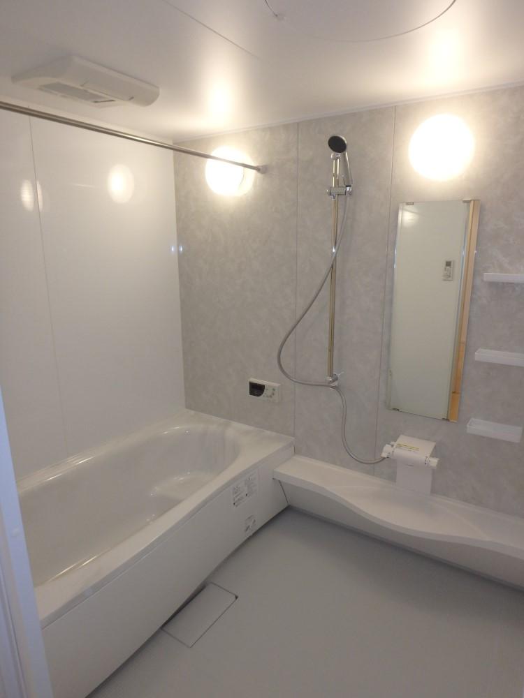 アクアマーブル人工大理石浴槽のユニットバス