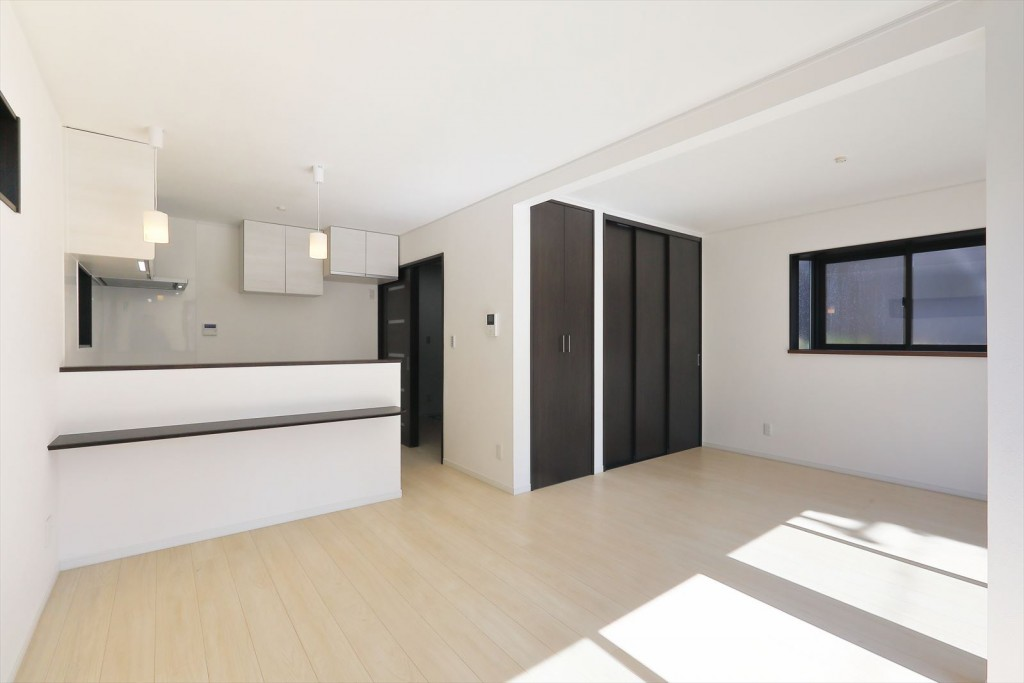 家族6人が健やかに暮らせるユニバーサルデザインの家