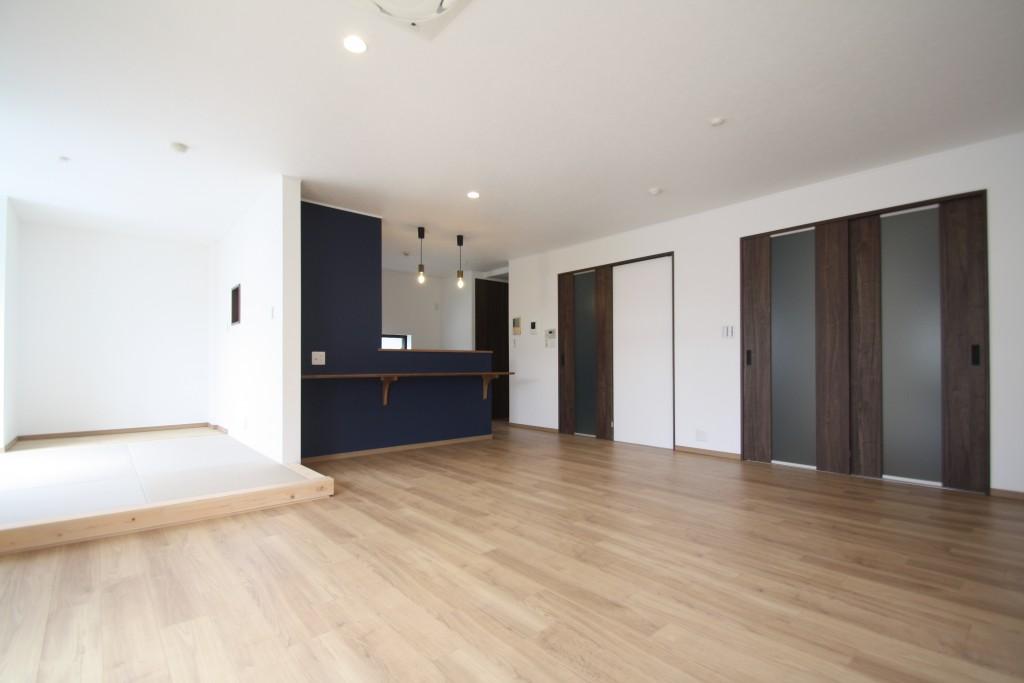 鉄骨造 店舗併用住宅の2階・3階 全面リノベーション!