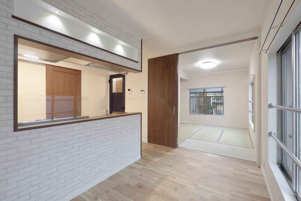 M様邸 アパートリノベ セミオープン キッチン (1)