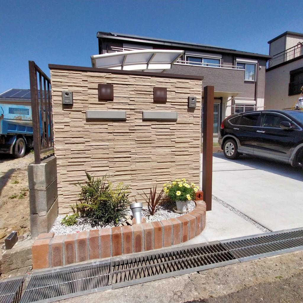 新築の建物と調和する外構工事-2